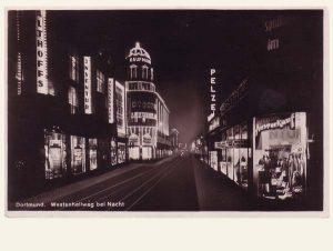 Postkarte Kaufhaus Kaufmann bei Nacht
