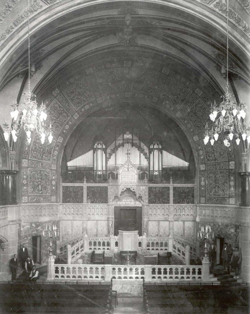 Synagoge um 1900, Blick auf die Kanzel