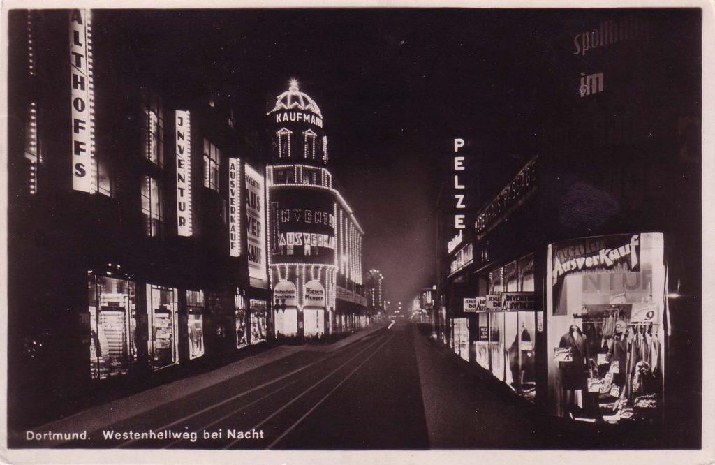 Postkarte Warenhaus Gebrüder Kaufmann, Westenhellweg bei Nacht 1925