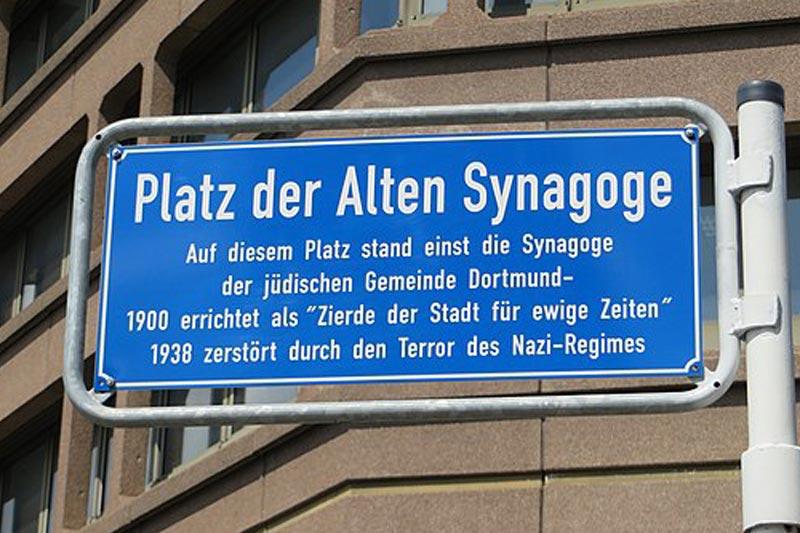 platz-der-synagoge Strassenschild